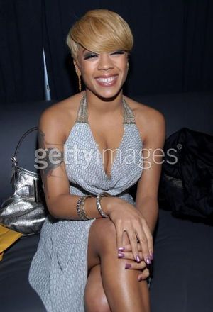 pics of keyshia cole hairstyles. Keyshia Cole wore a sleek grey