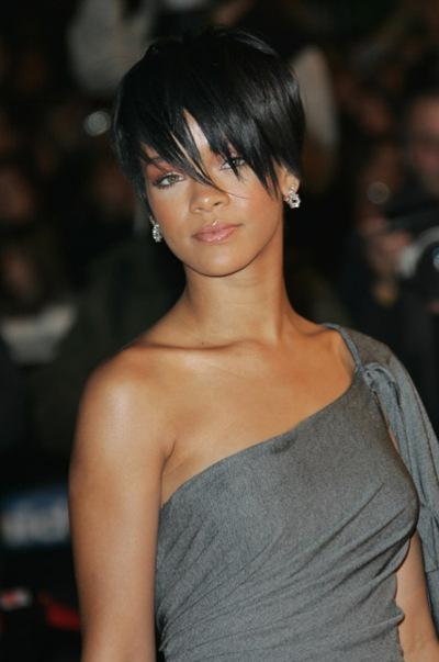 Rihanna_nrj_music_awards