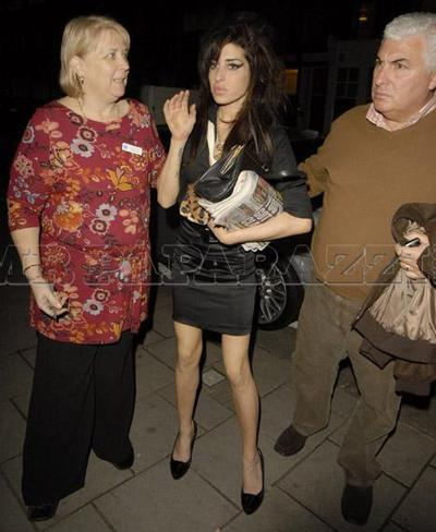 Amy_winehouse_rehab4