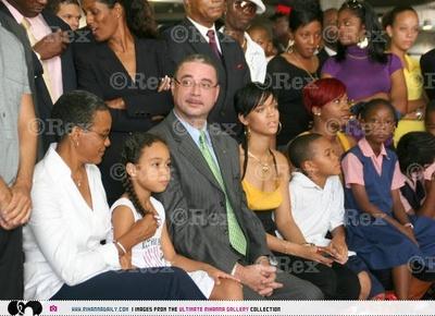 Rihanna_ceremony