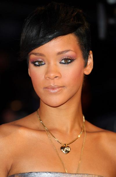 Rihanna_brit2