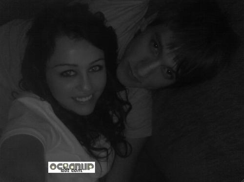 Mileycyrusinbednewboyfriendsex_2