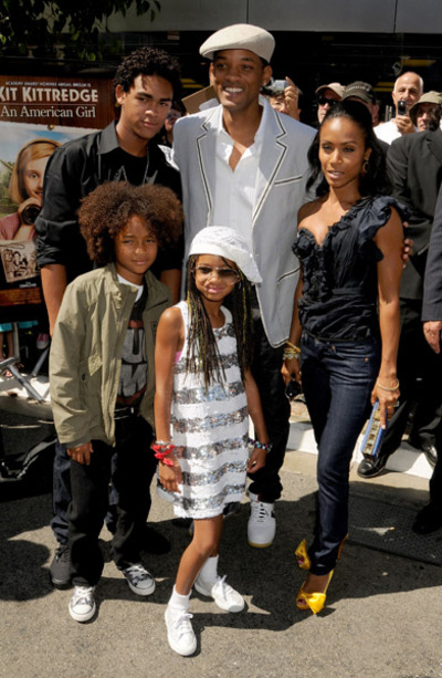 pictures of will smith and family. Will Smith and his family were