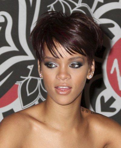 Rihanna_virgin_2