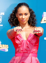 50001_alicia_keys_arrives_at_the_20