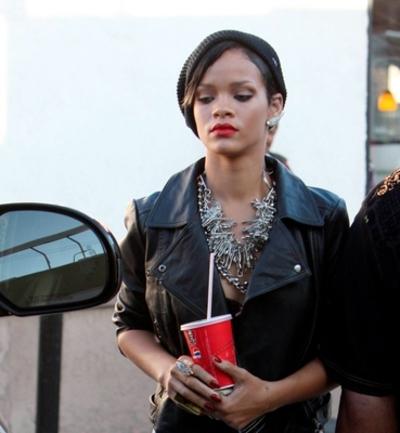 Rihanna_kfc3