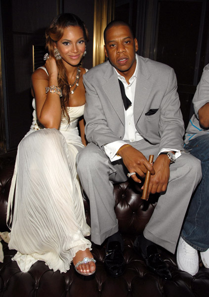 jay z wedding pics. The E-Biz is rumoring that Bey and Jay are gonna tie the knot on April 4th in New York City. They#39;ve got the details about Beyonce and Jay-Z#39;s wedding.