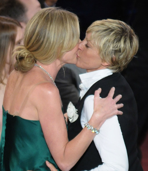 Portia De Rossi Young: Binside TV: ELLEN AND PORTIA DE ROSSI SET A WEDDING DATE